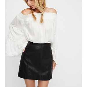 Free people Modern Femme Vegan mini skirt sz 0 XS